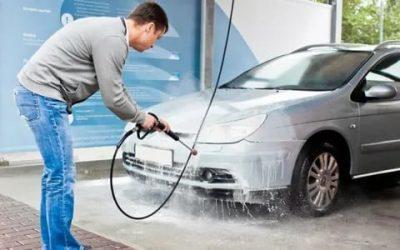 Нужно ли смывать воск на автомойке?