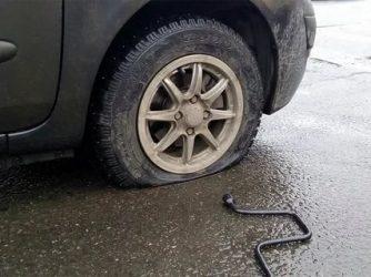 Пробил колесо в яме что делать?